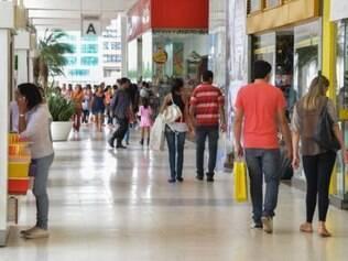 A pesquisa da CNI indica que os consumidores estão pessimistas em relação ao comportamento dos preços, do emprego e da renda pessoal nos próximos seis meses