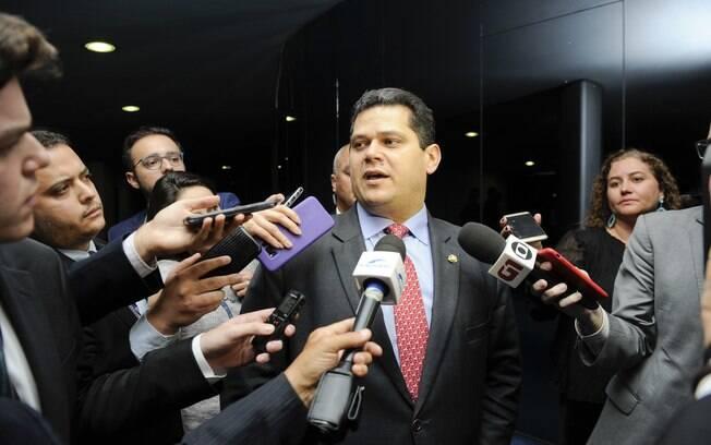 Davi Alcolumbre aceitou reabrir discussão por Lava Toga no Senado após decisões de Moraes