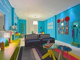 Colorido. Espaço projetado por Cátia Maiello e Claudia Aragão aposta no mix de cores