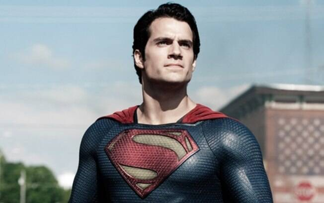 Henry Cavill interpreta Superman nas versões cinematográficas