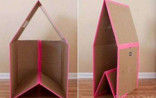 coloque almofadas dentro da casinha para deixar o ambiente mais confortável