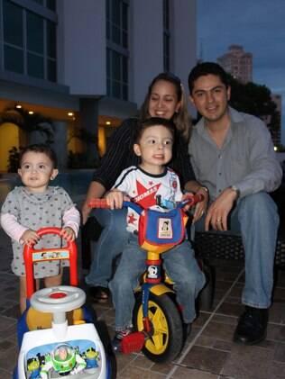 O casal Diana e Roberto deixou o México há mais de três meses para morar na Cidade do Panamá
