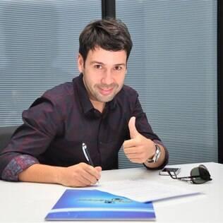 Vinícius Vieira assina contrato com a RedeTV!