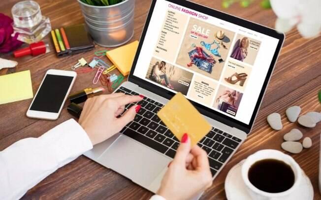 Na contramão de loja física, varejo online acelera contratação temporária na Black Friday