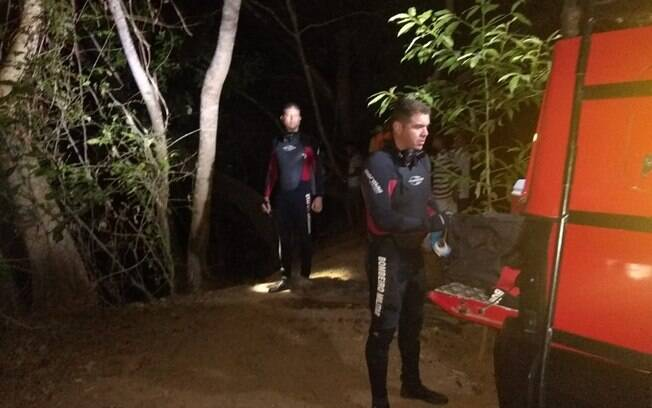 Corpo de Lázaro foi retirado da água minutos após entrada dos bombeiros na água