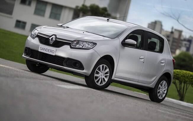 Renault Sandero 1.0 tem versões que contam até mesmo com central multimídia e GPS nativo
