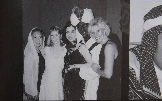 Foto de 2001 conseguida pela revista Time mostra Trudeau fazendo blackface em uma festa de tema árabe