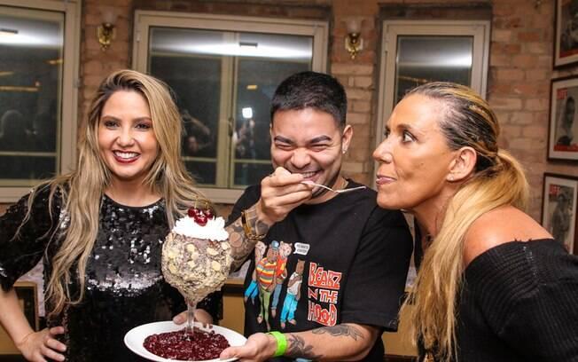 Jaque Alves, Yudi Tamashiro e Rita Cadillac