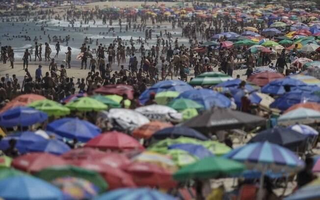 Aglomeração em Ipanema: mais uma vez, cariocas ignoraram a pandemia e encheram as praias da cidade