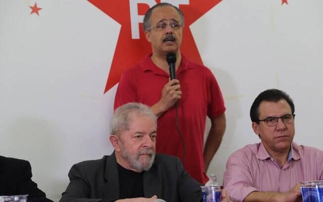 Autor da emenda, Deputado Vicente Cândido (em pé) é suspeito de receber R$ 50 mil em propina da Odebrecht