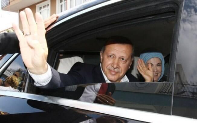 Presidente da Turquia, Recep Erdogan,  volta a fazer duras críticas à Europa nesta quinta-feira (16)