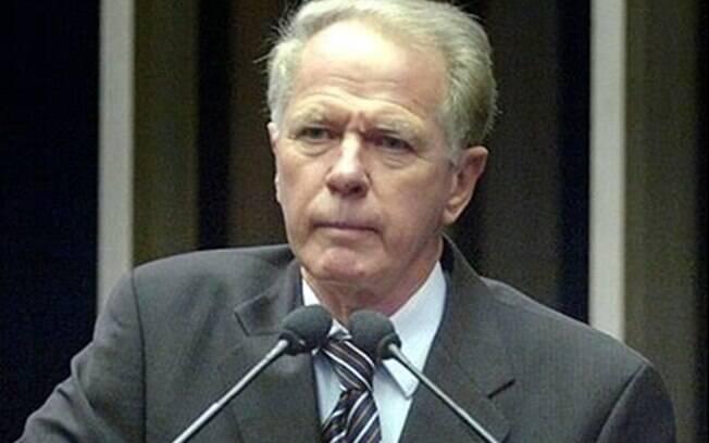 Gerson Camata foi governador do Espírito Santo, deputado e senador; ele será sepultado nesta quinta-feira, em Vitória
