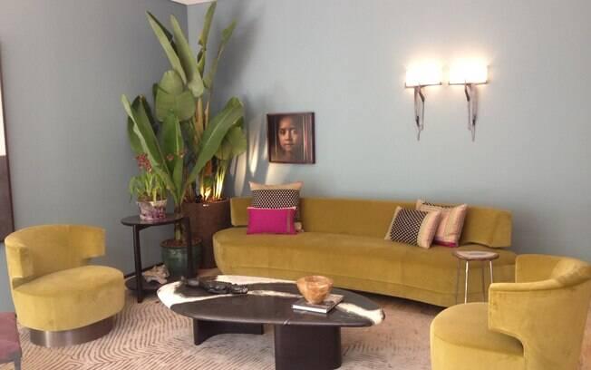 Esther Giobbi buscou inspiração em um morador que gosta de arte e viagens para compor a Casa 11, ambiente que mistura móveis da marca norte-americana Holly Hunt com peças trazidas da Índia