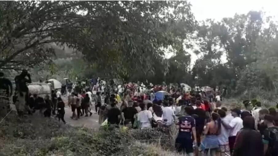 Pessoas estavam aglomeradas e sem máscara na zona oeste da capital