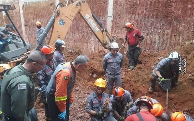 Homem morreu soterrado após deslizamento em obra