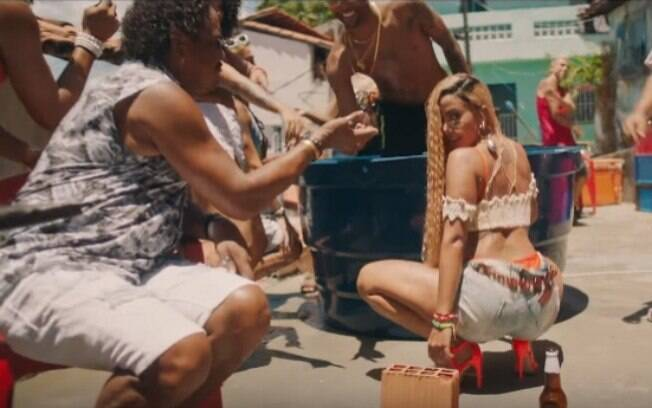 Compadre Washington aparece no clipe de Anitta