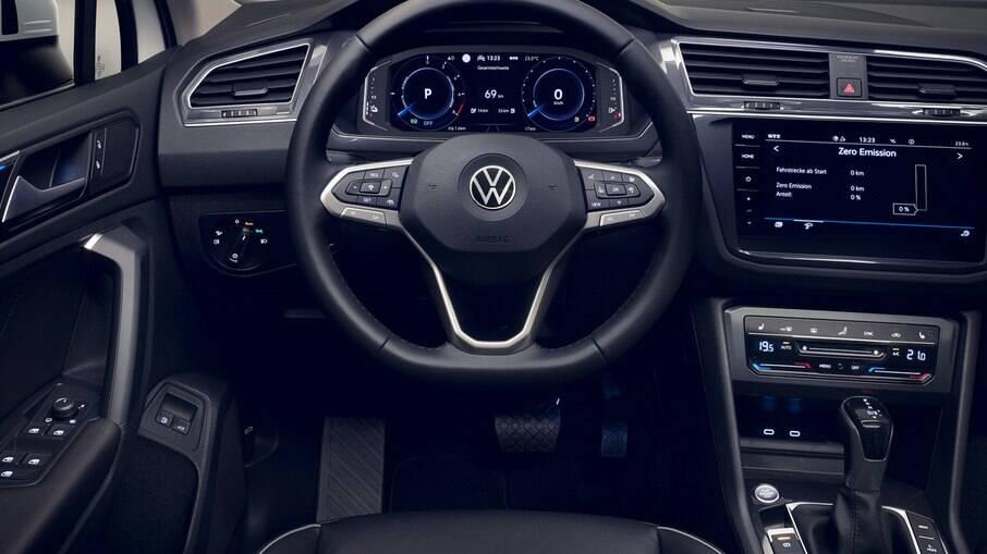 Interior do VW Tiguan eHybrid não tem diferenças na comparação com o modelo a combustão