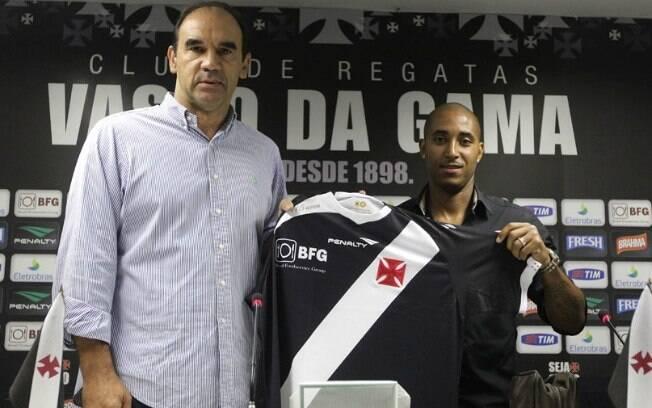 Reginaldo: reforço ofensivo que ainda não  estreou pelo Vasco