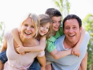 Existem inúmeros tratamentos para cuidar dos dentes e deixar o sorriso perfeito