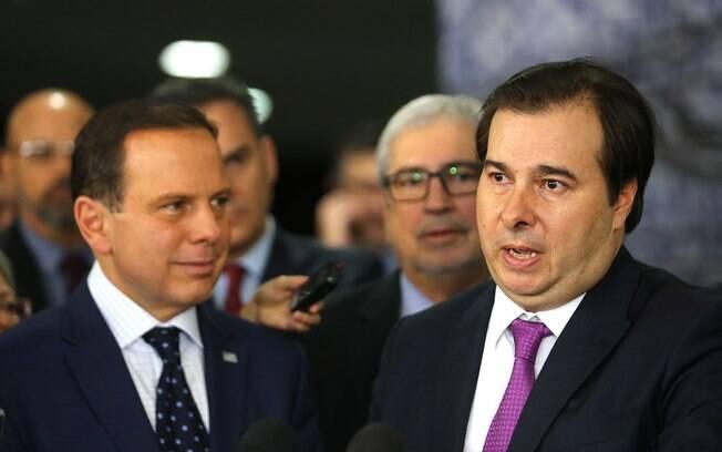 Maia diz que, com fim das coligações, união entre DEM e PSDB é uma