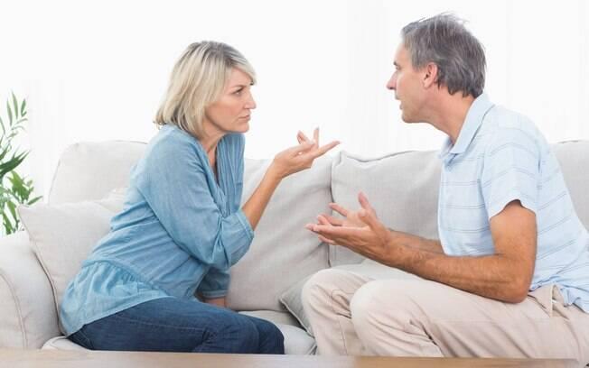 No pico da emoção, a primeira intenção é sempre agredir o parceiro - a melhor saída para evitar uma briga maior é conversar quando as coisas se acalmarem