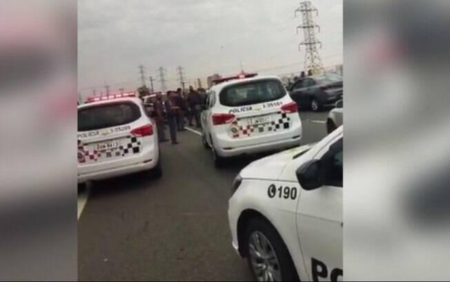 Médico fura bloqueios, é perseguido e causa acidente na Anhanguera em Campinas