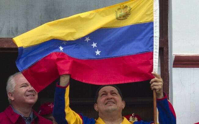 Após nova cirurgia, Chávez retorna à Venezuela em ritmo de campanha em março de 2012
