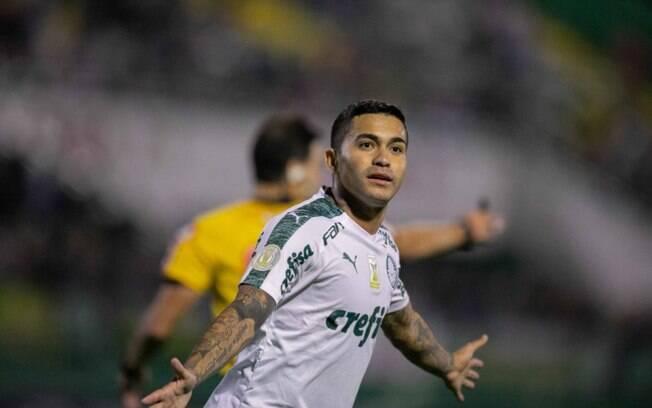 Dudu celebra gol pelo Palmeiras