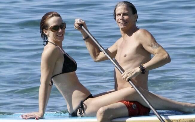 Steven Tyler e Erin Brady durante férias no Havaí, em novembro de 2011