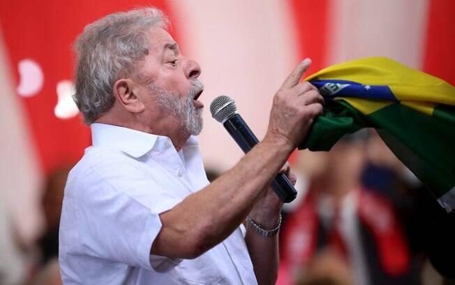 Lula alega que valores recebidos de empreiteiras foram por consultorias e palestras realizadas