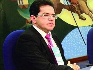 Valdecir Pascoal defende criação de órgão para fiscalizar TCUs