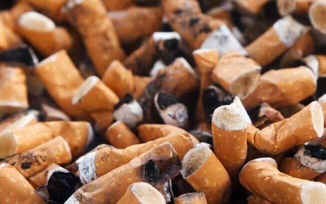 Fumantes são capazes de expelir gotículas que podem estar contaminadas com a Covid-19
