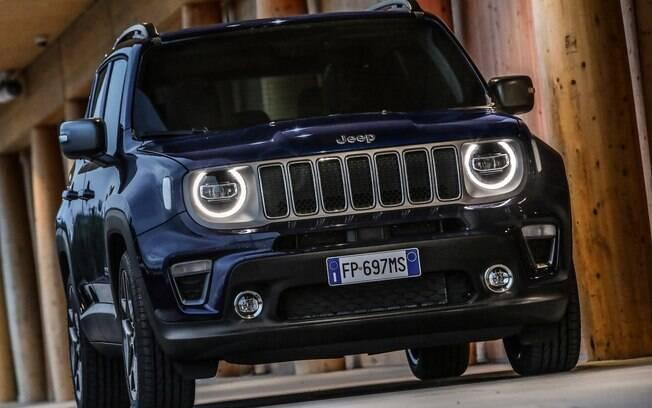 Jeep Renegade terá versão híbrida lançada na Europa no início de 2020.  Baterias poderão ser recarregadas na tomada