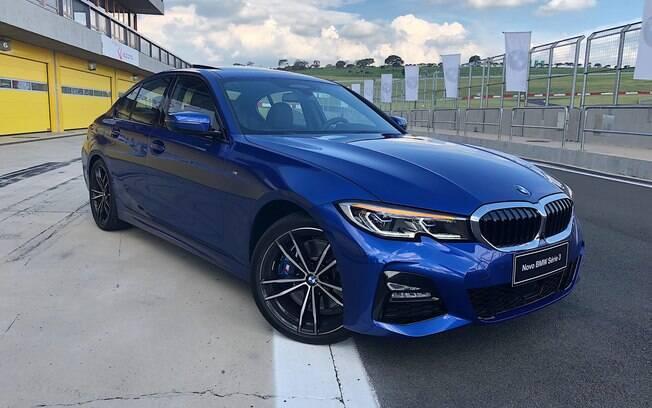 Na pista, nem parece que o BMW Série 3 2019 está maior. Modelo chega nas concessionárias no fim do mês