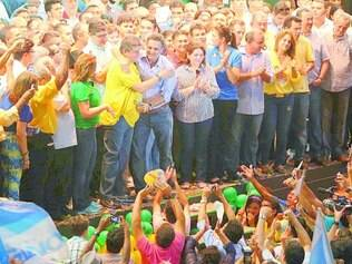 Piauí. Aécio participou do lançamento da candidatura à reeleição de Zé Filho (PMDB), Campos compareceu duas horas após o tucano sair
