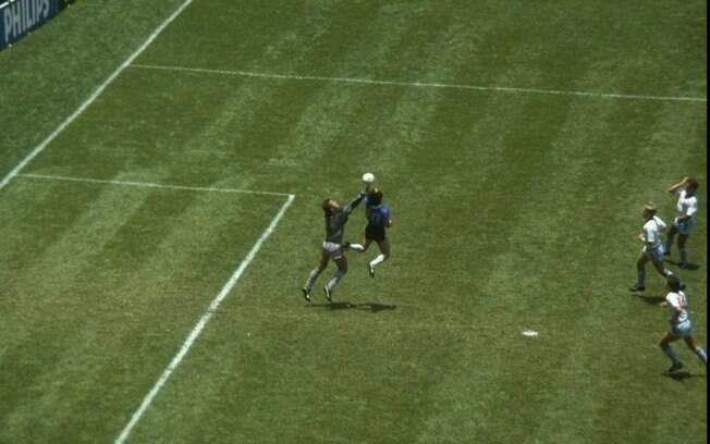 Famoso gol de mão contra a Inglaterra na Copa  do Mundo de 1986