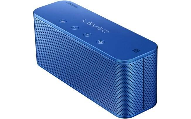 Samsung Level Box Mini é uma caixa de som Bluetooth que se conecta com qualquer aparelho. O aparelho traz alto-falante com 55mm e radiador passivo. R$ 599
