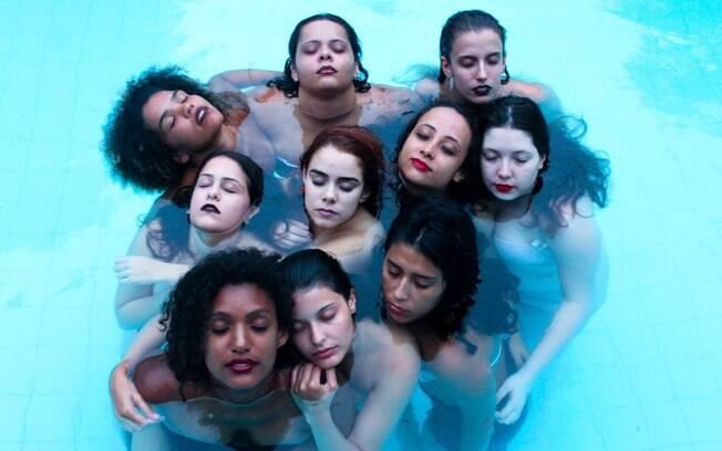 """""""Estamos aqui"""", diz idealizadora de peça sobre o espaço das mulheres no teatro"""