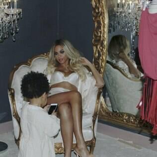 Blue Ivy acompanha a mamãe, Beyoncé em ensaio fotográfico