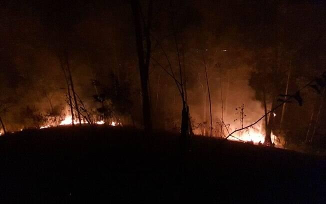 Incêndio que ocorreu este domingo (21) nas  aldeias indígenas do pico do Jaraguá