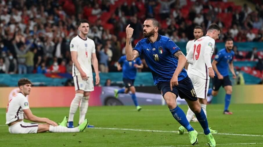 Itália é bicampeã da Eurocopa