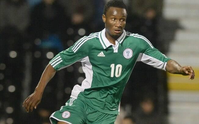 Obi Mikel com a camisa da Nigéria