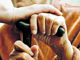 """Pesquisa sobre novas drogas foi publicada na revista """"Aging Cell"""""""