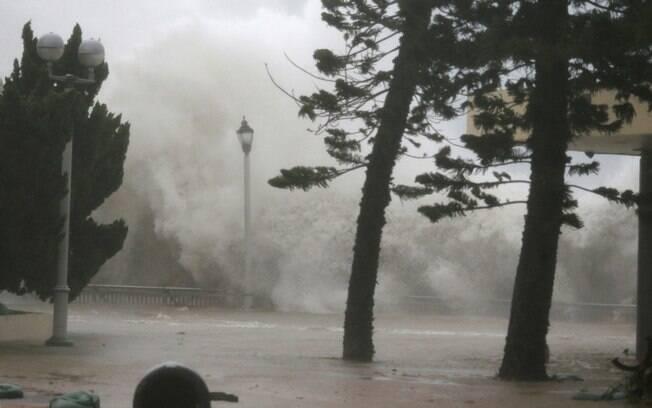 Filipinas recebem entre 15 e 20 tufões todos os anos durante a estação chuvosa que termina em novembro ou dezembro