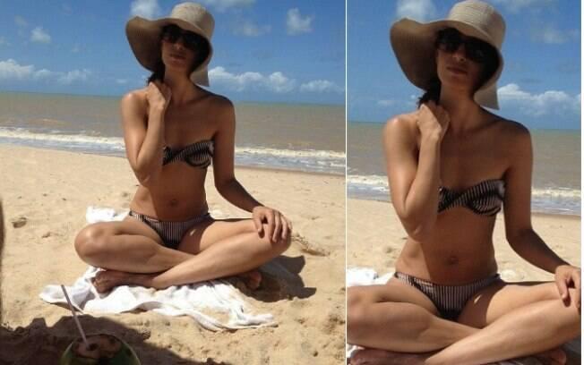 De folga no Nordeste, Camila Pitanga postou uma imagem em que aparece de biquíni e mostra boa forma. O clique foi feito pela filha, Antônia