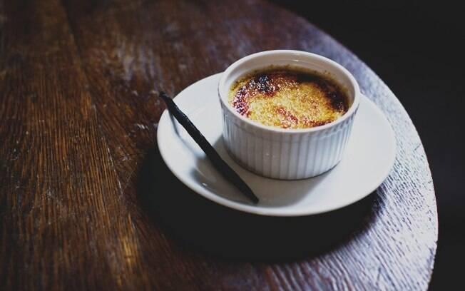 Segundo Alexandre Vaz, a tradicional sobremesa francesa combina com cerveja de trigo frutada de framboesa