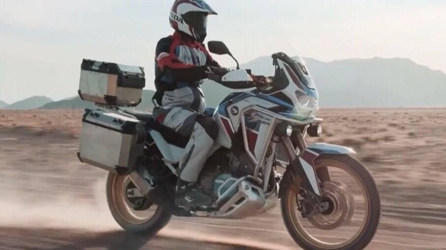 Honda CRF 1100L Africa Twin Adventure Sports ES é mais adequada para longas viagens