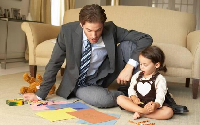 Homens e pessoas com filhos são mais favorecidos na hora de negociar um esquema de trabalho mais flexível