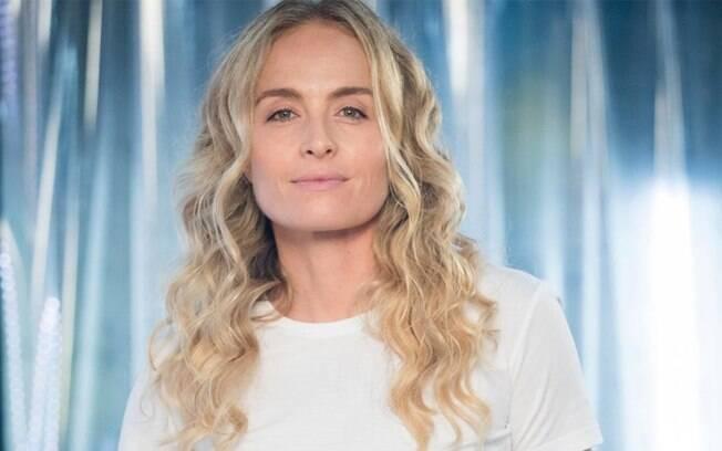 Angélica fala sobre menopausa precoce