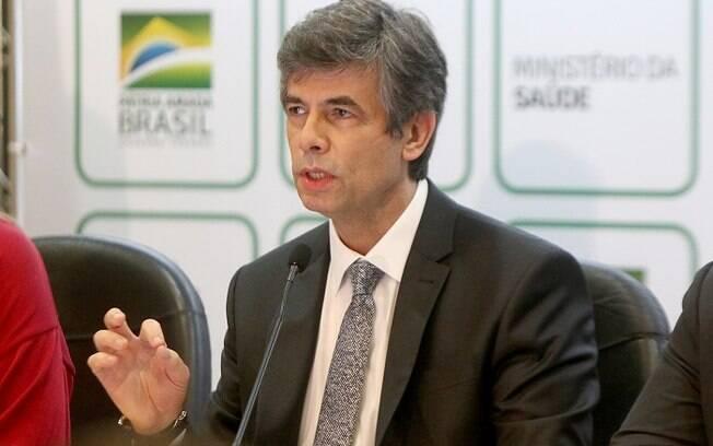 Nelso Teich também criticou a demora em nomear um ministro efetivo para a pasta da saúde